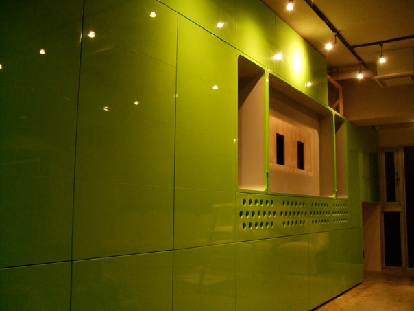 Green Wall #1 - Hign Gloss Pantone 375CJPG